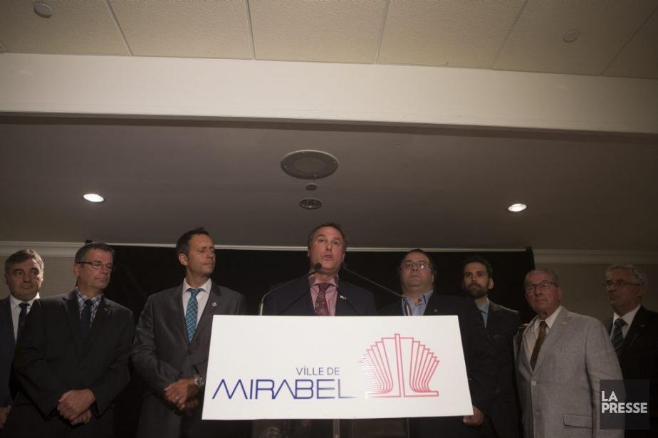 En conférence de presse hier, le maire deMirabel,... (PHOTO FRANÇOIS ROY, LA PRESSE)
