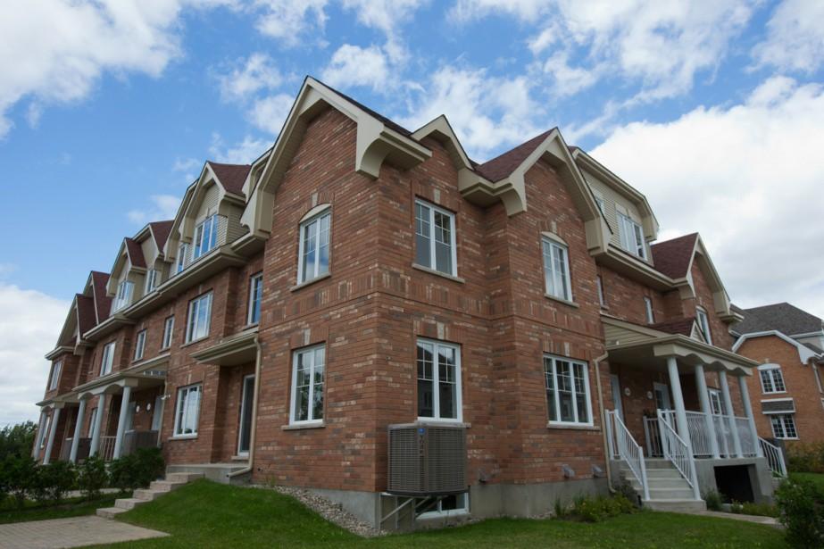 Les maisons en rangée adossées, qui ont de deux à quatre chambres, sont un compromis entre le condo conventionnel et une maison en rangée. (Photo François Roy, La Presse)