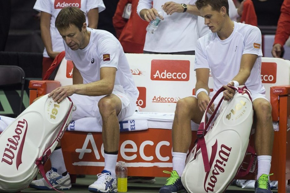 Daniel Nestor (à gauche) et Vasek Pospisil ont... (PHOTO ANDREW VAUGHAN, PC)