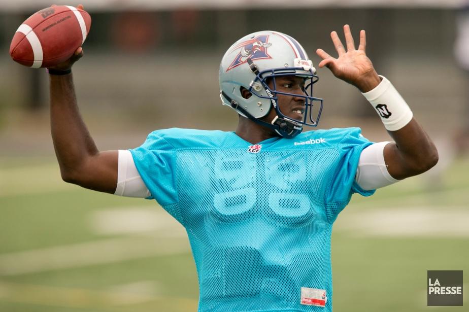 Le quart-arrière Jerrod Johnson s'est entraîné pour la... (Photo David Boily, La Presse)