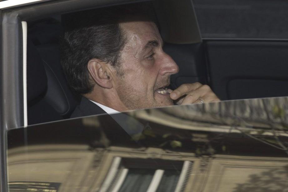 Si l'ancien président est donné largement favori pour... (PHOTO JOEL SAGET, AFP)