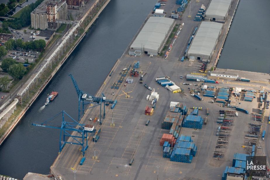 Le Port de Montréal pourrait être «pris en... (PHOTO DAVID BOILY, LA PRESSE)