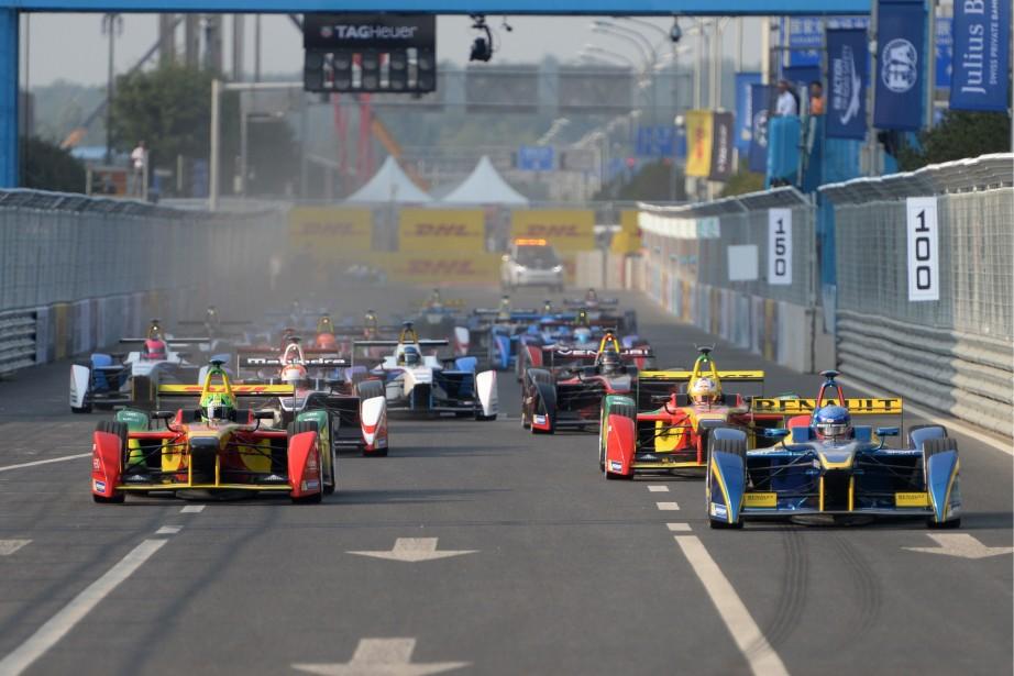 La première course de l'histoire de la Formule... (PHOTO GOH CHAI HIN, AFP)