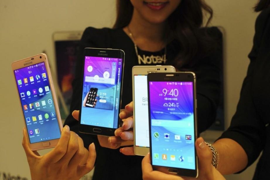 Le Galaxy Note 4 sera finalement disponible dès... (PHOTO KIM DONG-HYUN, AFP)