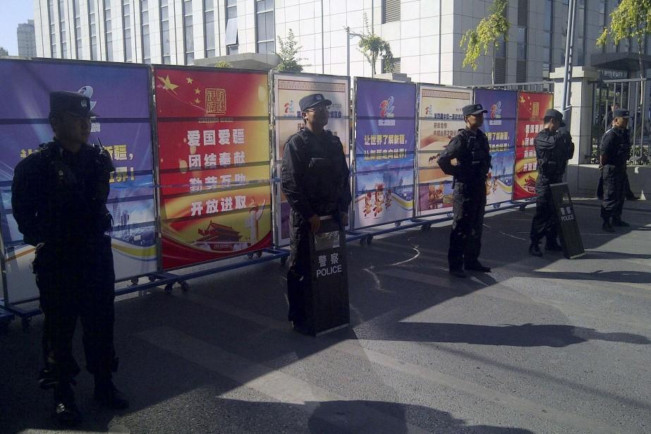 Les autorités communistes restreignent sévèrement l'accès au Xinjiang,... (Photo REUTERS)