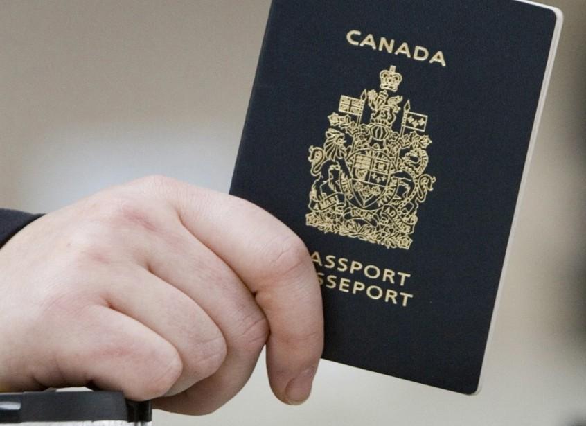 Protégerait-on mieux le Canada en expulsant un terroriste... (Photo archives La Presse Canadienne)