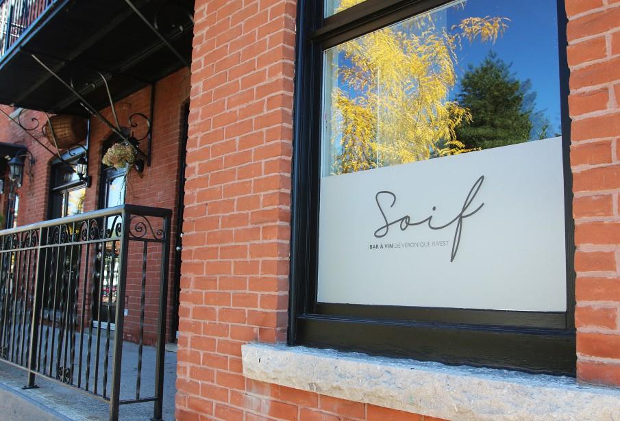 La devanture discrète du bar à vin Soif. (Patrick Woodbury, LeDroit)