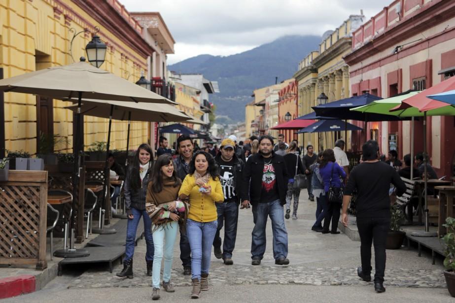 La rue piétonnière Real de Guadalupe est active et contemporaine. (Photo Martin Chamberland, La Presse)