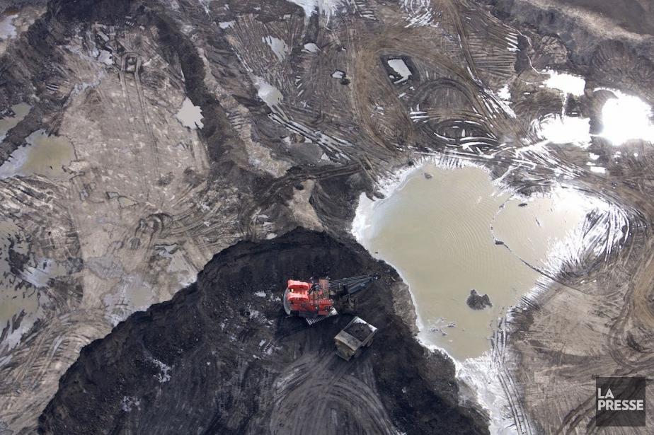 Un site d'extraction dessablesbitumineux, près de Fort McMurray.... (Photo Alain Roberge, Archives La Presse)