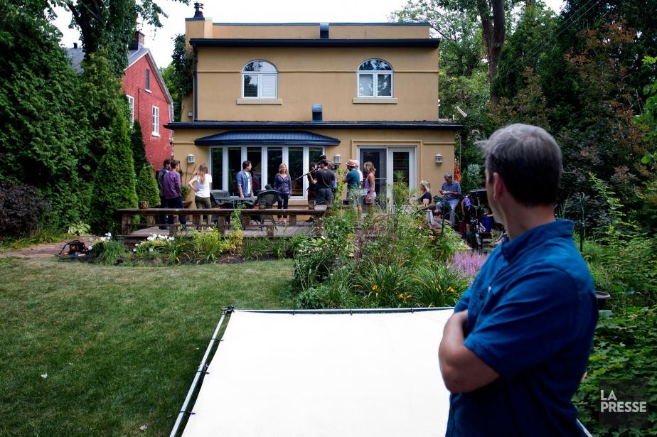 Pendant le tournage de la série Un sur... (PHOTO MARCO CAMPANOZZI, LA PRESSE)