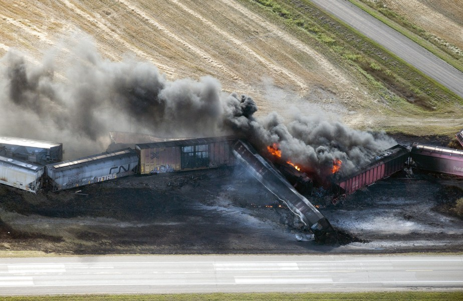 Un train de marchandises du Canadien National... (Photo Liam Richards, PC)