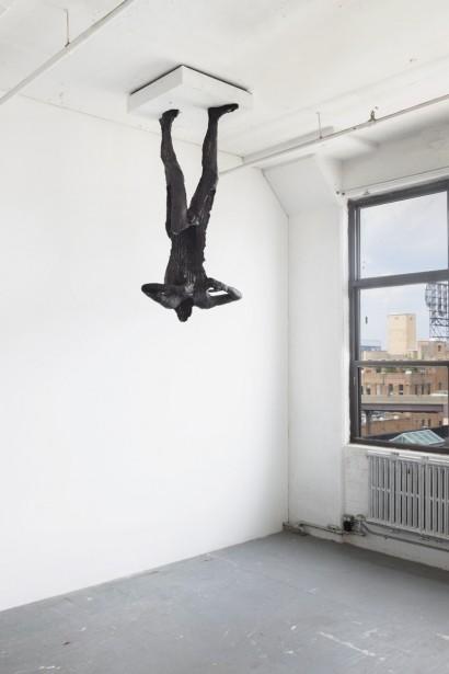 <em>Son 3 (Relatives)</em> (2014) est une sculpture récente de David Altmejd, composée de polystyrène, d'époxy, de bois et d'acier. Il l'installera au plafond, renversée, au milieu du parcours. (Photo: founrnie par la Galerie Andrea Rosen)