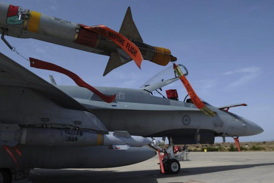 Des CF-18 des Forces armées canadiennes.... (PHOTO SEAN KILPATRICK, LA PRESSE CANADIENNE)