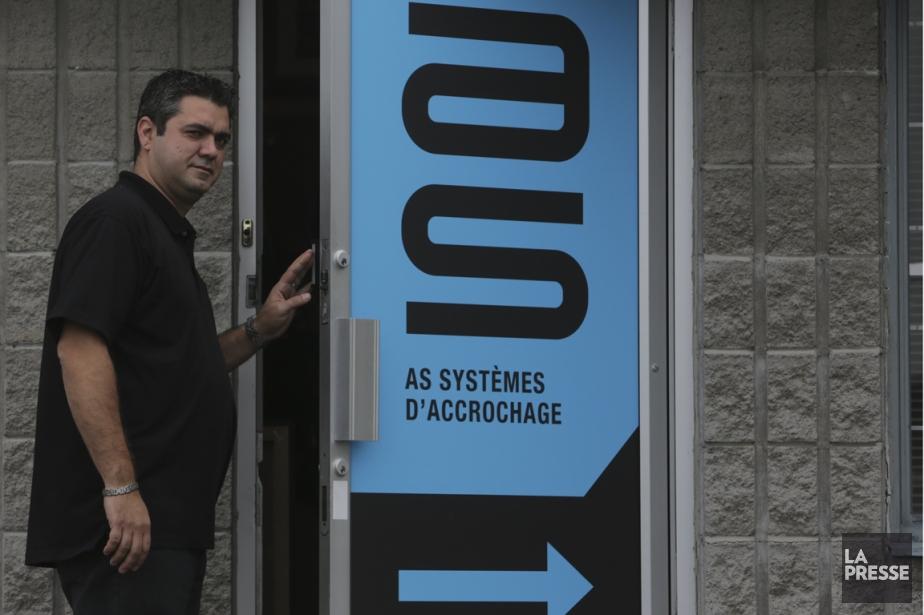 Walter Moncade, président et propriétaire d'AS Systèmes d'accrochage,... (Photo Martin Chamberland, La Presse)