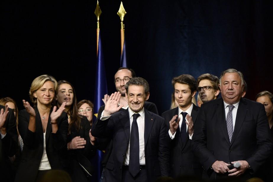 Nicolas Sarkozy a répondu aux questions des militants... (PHOTO STÉPHANE DE SAKUTIN, ARCHIVES AFP)