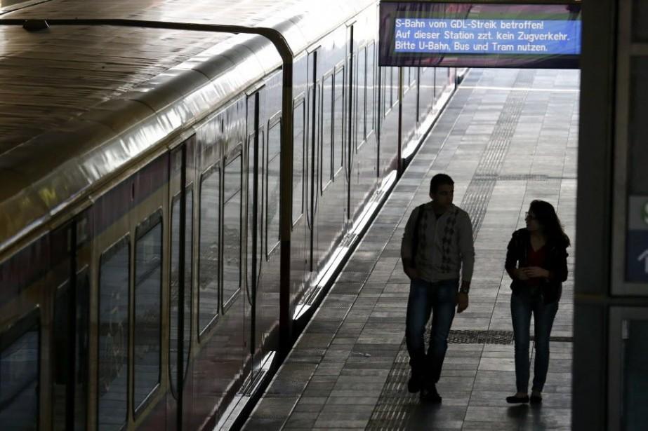 Les conducteurs de Deustche Bahn avaient déjà mené... (Photo FABRIZIO BENSCH, AFP)