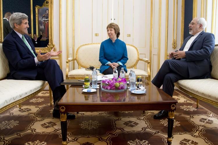Le chef de la diplomatie américaine, John Kerry,... (Photo: AFP)