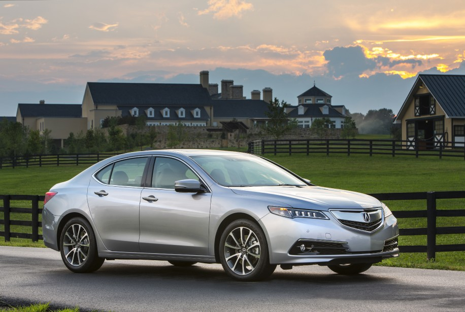 Acura TLX - À PARTIR DE 34 990 $ - La nouvelle berline de luxe d'Acura remplace l'ancienne TL en offrant trois motorisations, soit un quatre-cylindres et deux V6. (Photo Acura)