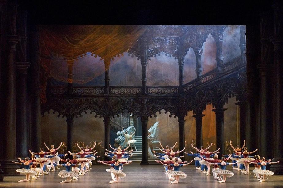 Près d'un... (Photo fournie par le Ballet de l'Opéra national de Paris)