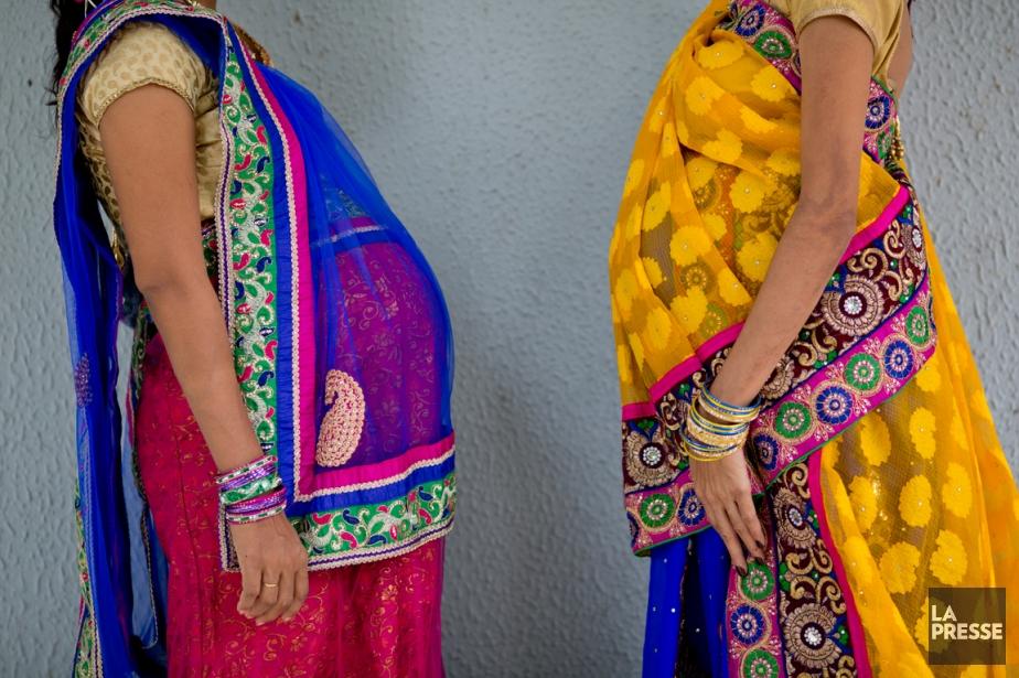 Deux mères porteuses de la clinique d'Anand, dans... (PHOTO DAVID BOILY, LA PRESSE)
