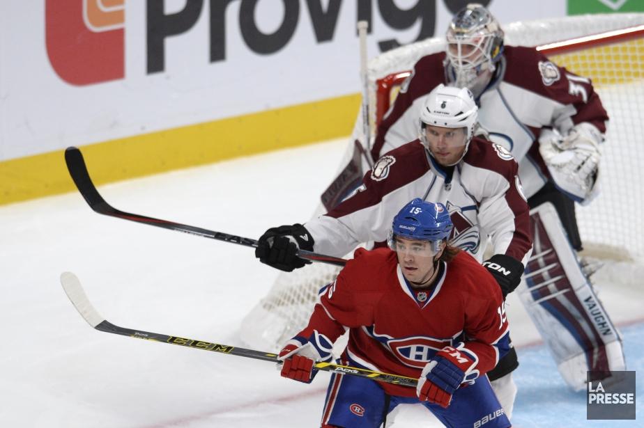 Pierre-Alexandre Parenteau du Canadien face à Nate Guenin et le gardien Calvin Pickard. (Photo Bernard Brault, La Presse)