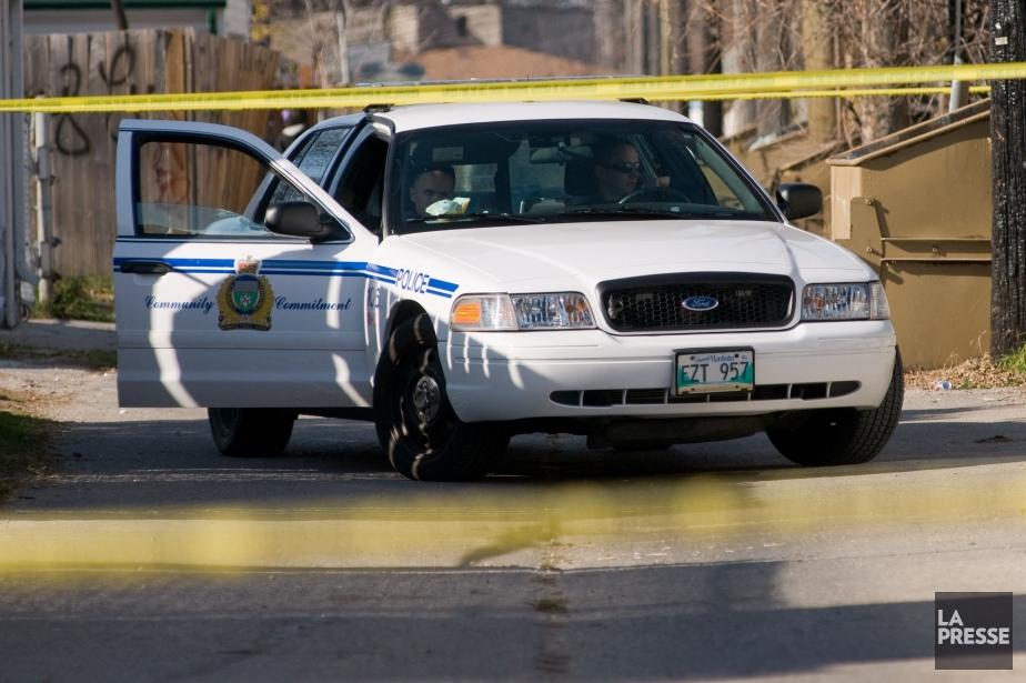Les policiers de Winnipeg tentent... (Photo archives Winnipeg Free Press)