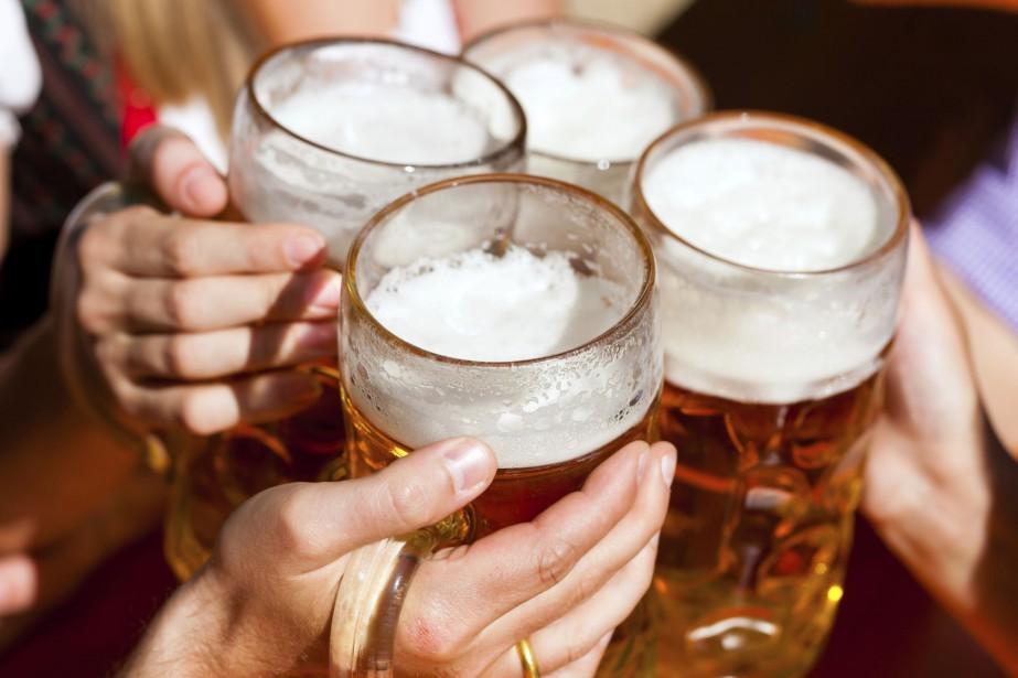 Une consommation légère ou modérée d'alcool était liée... (Photo Digital/Thinkstock)