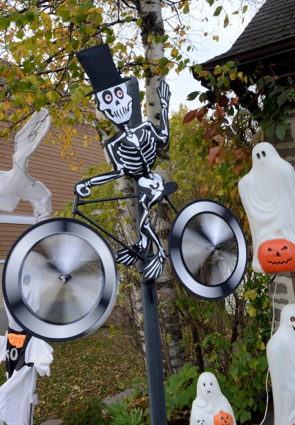 Un squelette à bicyclette (Le Soleil, Erick Labbé)