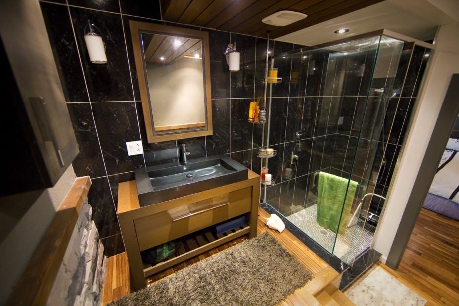 La salle de bains de la chambre principale. (Photo André Pichette, La Presse)