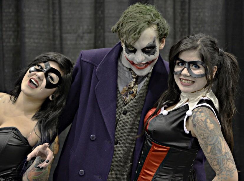 Le Joker sort toujours bien accompagné. Le voici en compagnie de la Femme Chat(à gauche) et de Harley Quinn. (Le Soleil, Pascal Ratthé)
