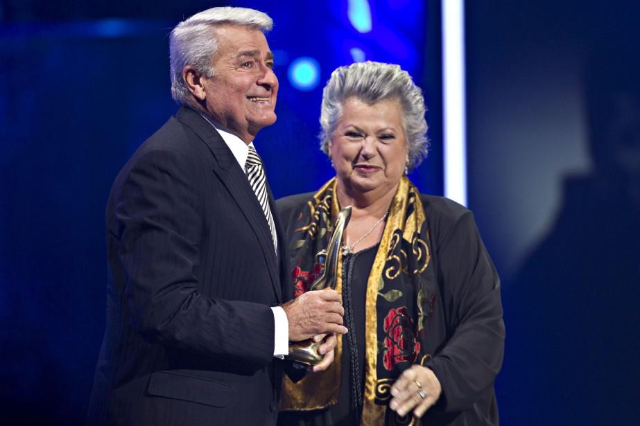 Ginette Reno a remis le Félix Hommage à Michel Louvain. (PHOTO OLIVIER JEAN, LA PRESSE)
