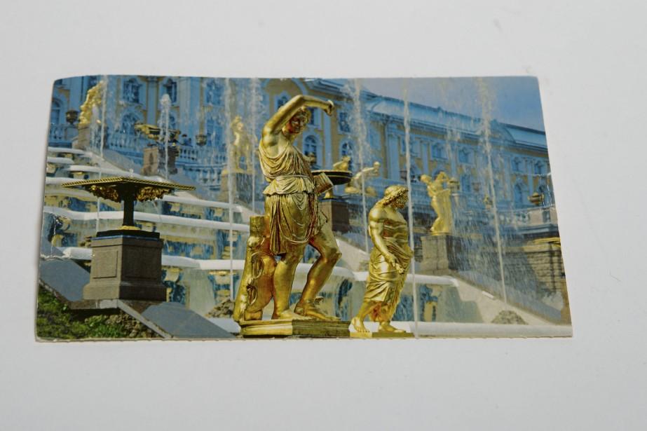 Depuis la création de Postcrossing, des dizaines de milliers de personnes s'y sont inscrites et plus de 26 millions de cartes postales se sont croisées. (Photo Olivier Jean, La Presse)