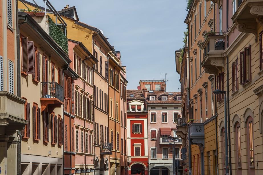 Les rues colorés de Bologne, l'une des grandes villes d'Émilie-Romagne où goûter les meilleurs mets de la région. (Photo Digital/Thinkstock)
