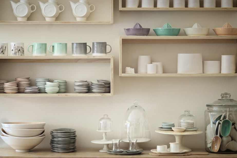 Convoitée pour ses objets de la table faits main, Atelier Make accueille le...