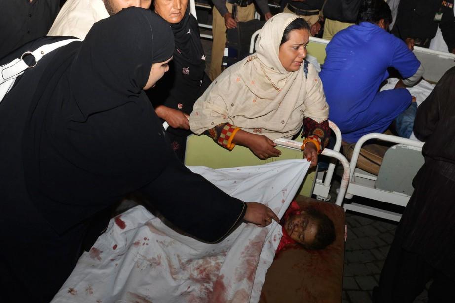 L'attentat suicide à Wagah n'avait pas été revendiqué... (Photo Arif Ali, AFP)