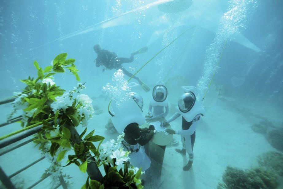 À Bora Bora, les organisateurs de mariage ont... (PHOTO GREGOIRE LE BACON, AFP)