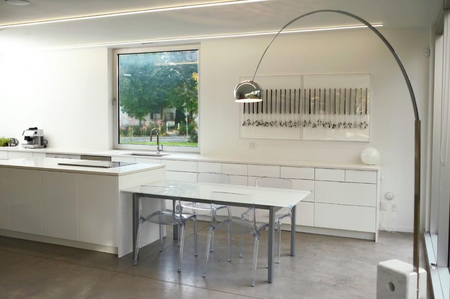 R ve contemporain greenfield park lucie lavigne for Plan cuisine en longueur