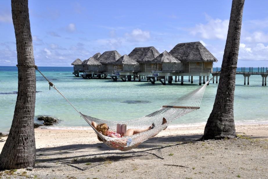 La plage, le lagon, les bungalows sur pilotis (ici, ceux de l'hôtel Pearl Beach de Tikehau): l'incarnation du rêve polynésien pour de nombreux voyageurs. (Photo Stéphanie Morin, La Presse)