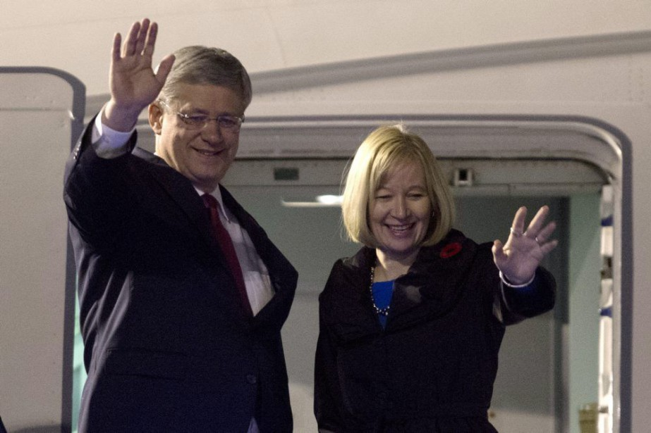 Stephen Harper et son épouse, Laureen, ont été... (Photo Adrian Wyld, La Presse Canadienne)