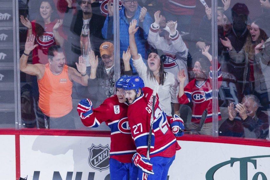 Gallagher et Galchenyuk se félicitent du premier but du match. (PHOTO EDOUARD PLANTE-FRECHETTE, LA PRESSE)