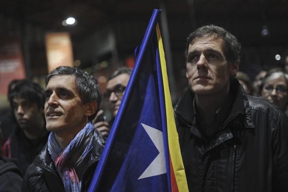 Ce scrutin est purement symbolique, puisque le gouvernement... (PHOTO AFP)