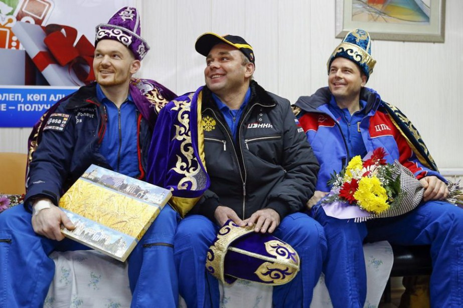 Alexander Gerst, Maxim Surayev et Reid Wiseman.... (PHOTO SHAMIL ZHUMATOV, ASSOCIATED PRESS)