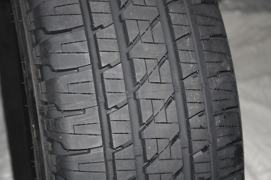 Un pneu Bridgestone... (PHOTO JEAN-FRANÇOIS GUAY, COLLABORATION SPÉCIALE)