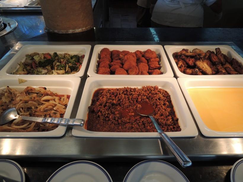 Le buffetduBarcelo Costa Cancùn est loin de faire honneur à la gastronomie mexicaine. (PHOTO STÉPHANIE BÉRUBÉ, LA PRESSE)