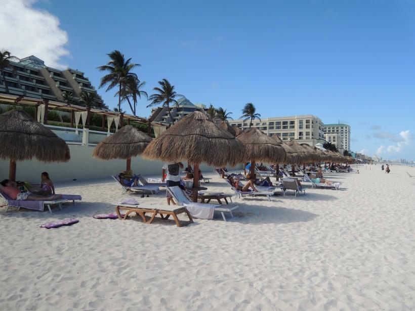 La plage du Paradisus Cancún. (PHOTO STÉPHANIE BÉRUBÉ, LA PRESSE)