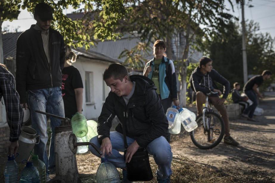 À Luhansk, dans l'est de Ukraine, les résidents... (Photo SERGEY PONOMAREV, The New York Times)