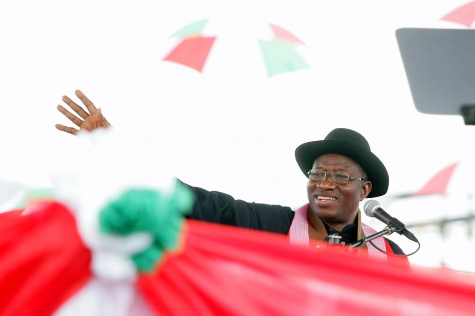 «Moi, Goodluck Ebele Azikiwe Jonathan, j'ai accepté de... (PHOTO KOLAWOLE OSHIYEMI, AFP)