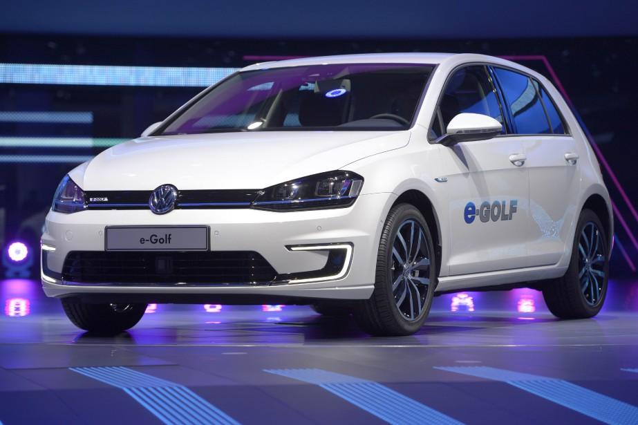 La Volkswagen Golf électrique... (Photo archives AFP)