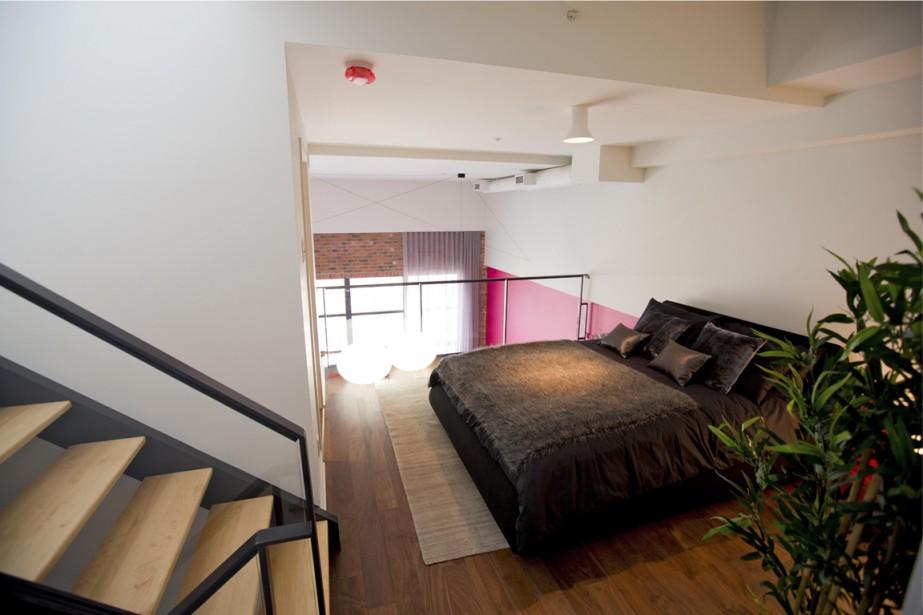 Une chambre a été aménagée au deuxième niveau de cet appartement-terrasse. (Photo Alain Roberge, La Presse)