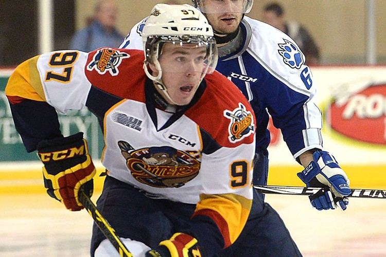Connor McDavid, le meilleur espoir au Canada depuis... (Photo AP)
